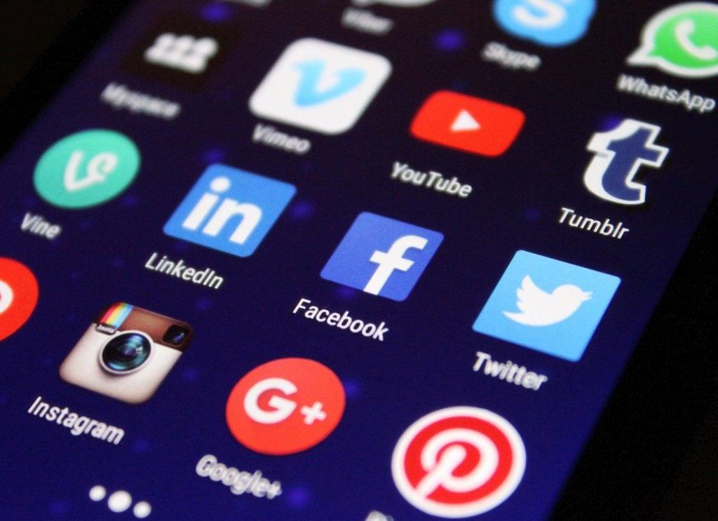 Sascha Jecht teil seine Tipps zum Thema: Mitarbeiter finden mit Facebook & Co.