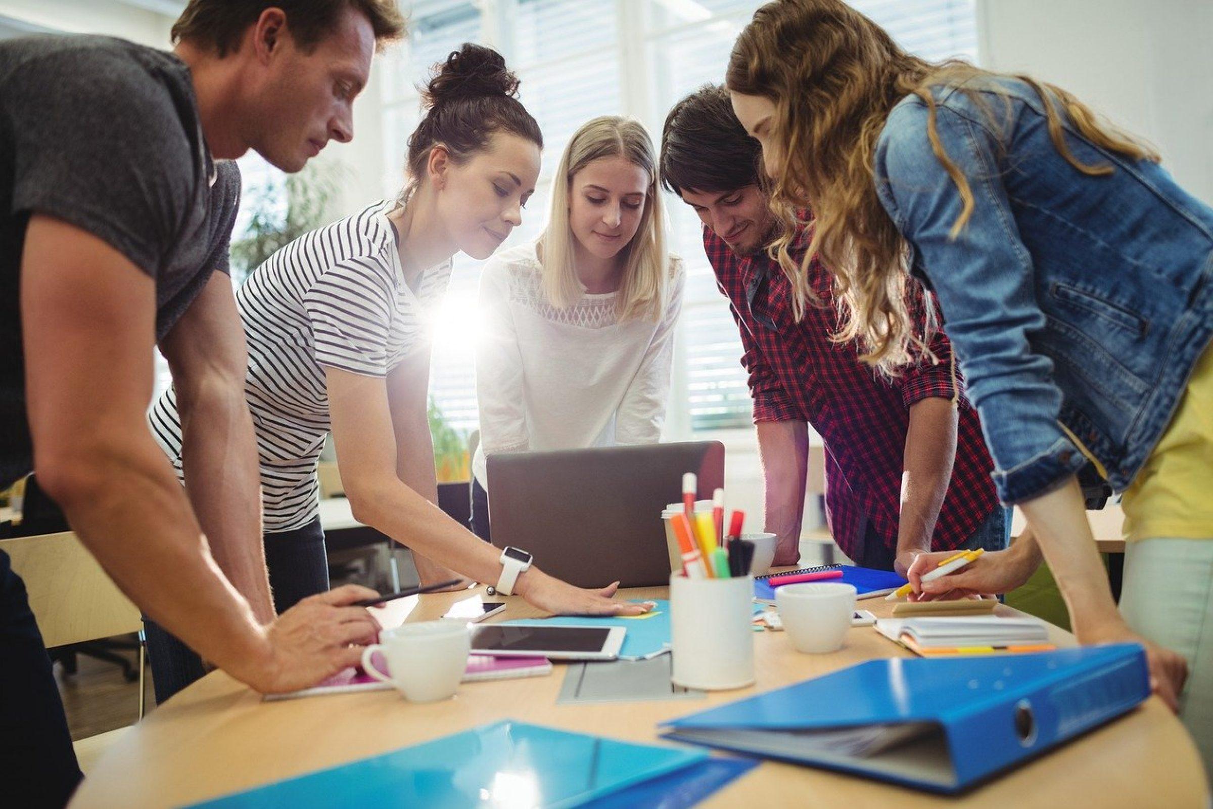 Firmenwerte definieren & Beispiele: Values finden in 4 Schritten