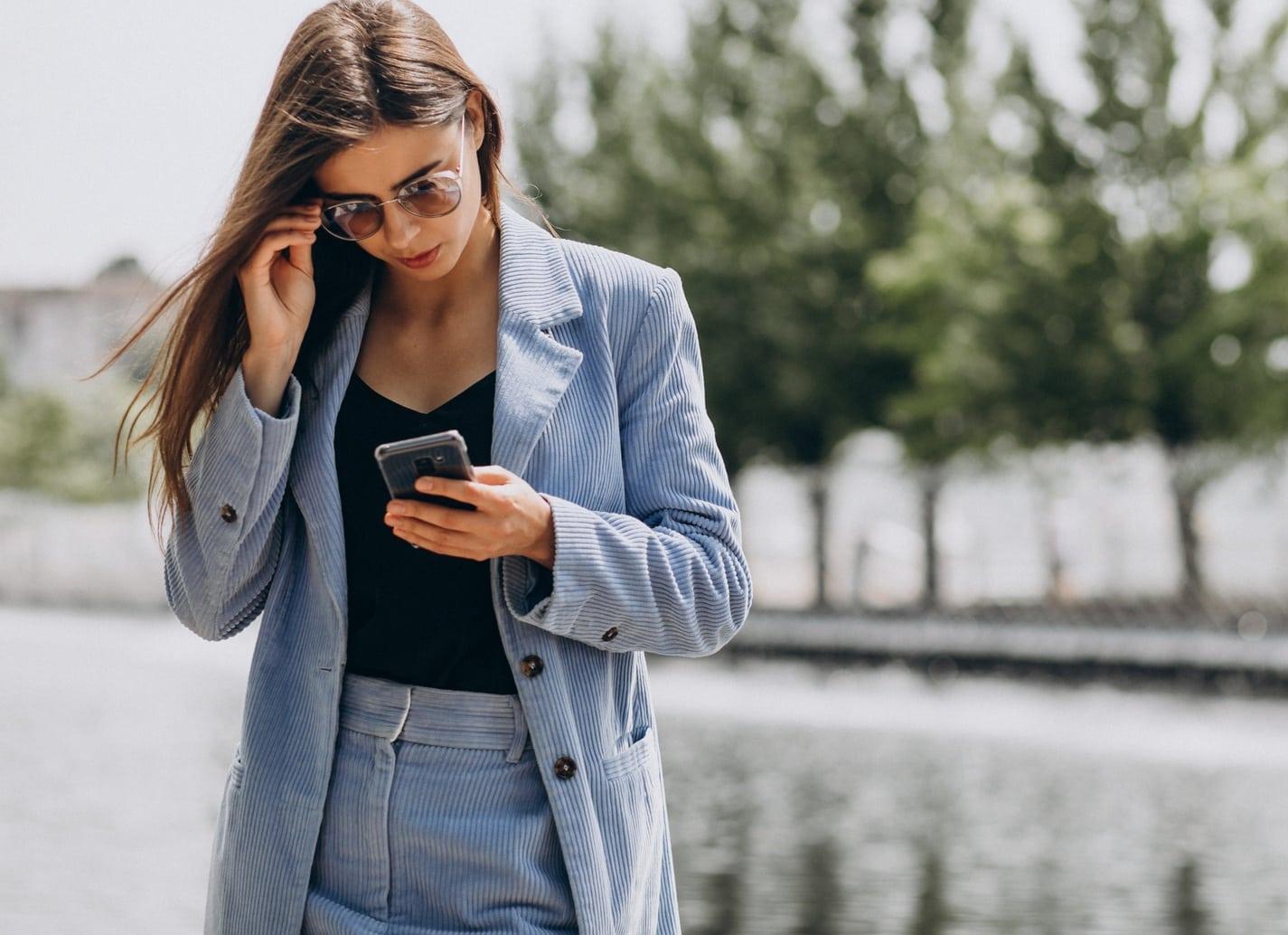 Anzeigentext für Stellenangebote Vorlage: Mit diesen Textbausteinen erreichen Anzeigen für Stellenangebote in Social Media exakt die richtigen Menschen.